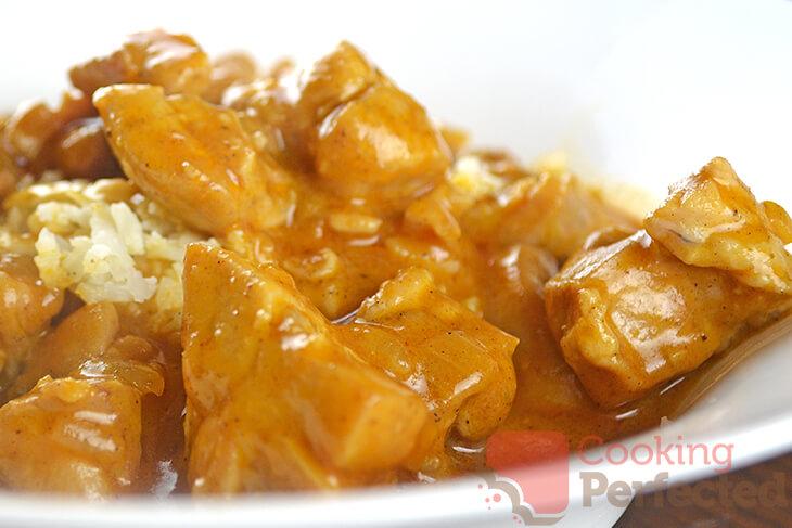 Paleo-Friendly Butter Chicken with Cauliflower Rice