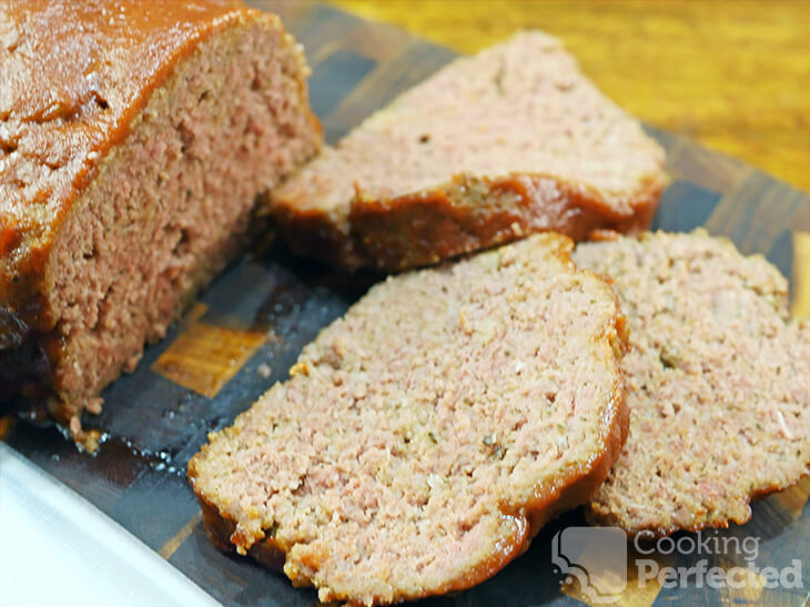 Easy Meatloaf with a Tomato Sauce