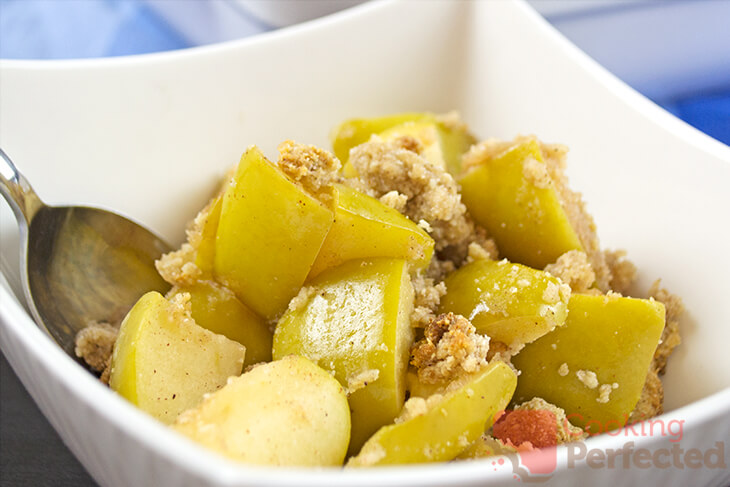 Oven-Baked Paleo Apple Crumble