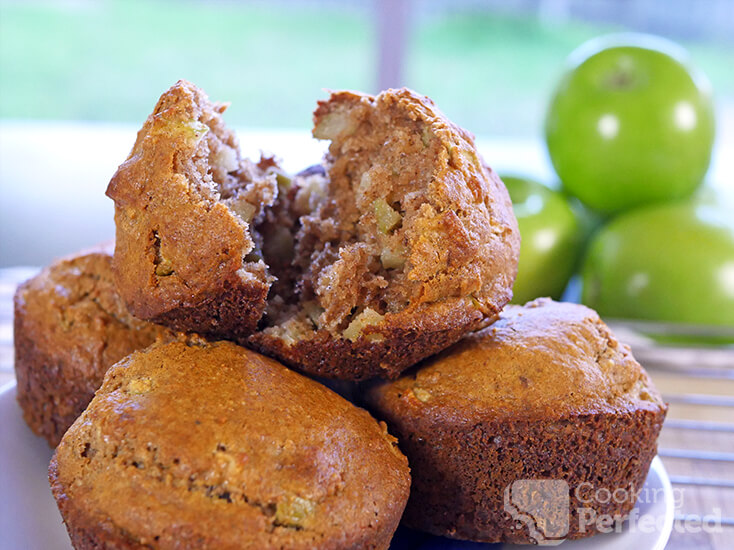 Paleo-Friendly Apple and Cinnamon Muffins
