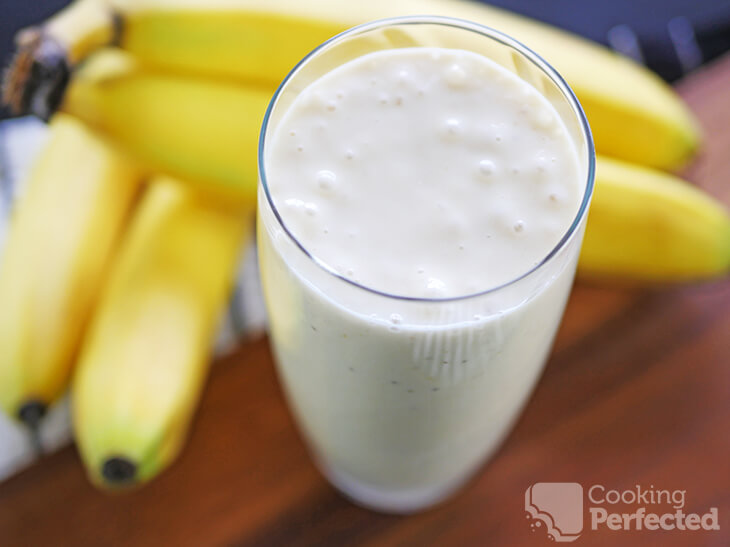 Healthy Banana and Yogurt Smoothie