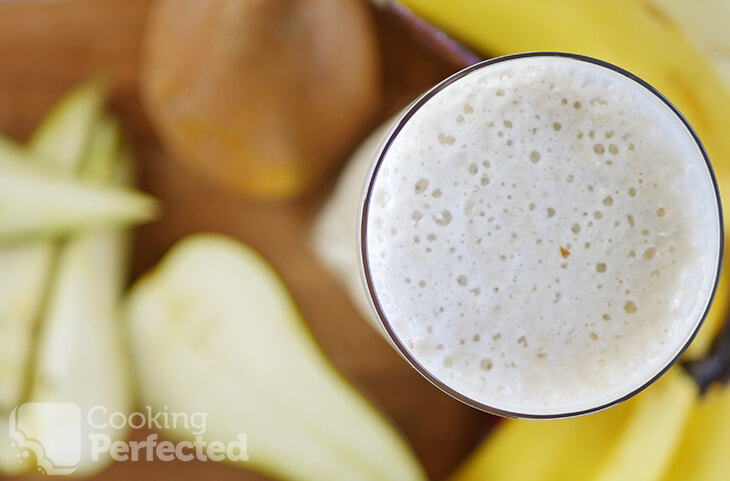 Pear and Banana Smoothie with fruit