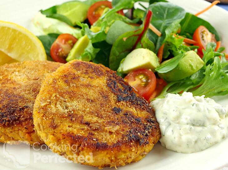 Paleo Tuna Cakes with Tartare sauce and Salad
