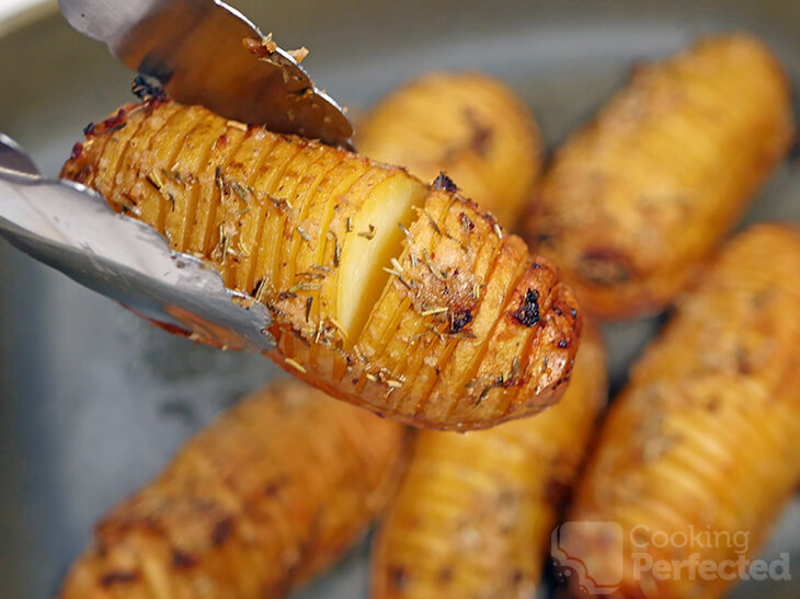 Hasselback Potatoes with garlic, rosemary and thyme